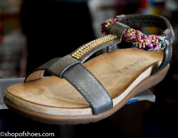 Womens summer sandal with studded jewel design.